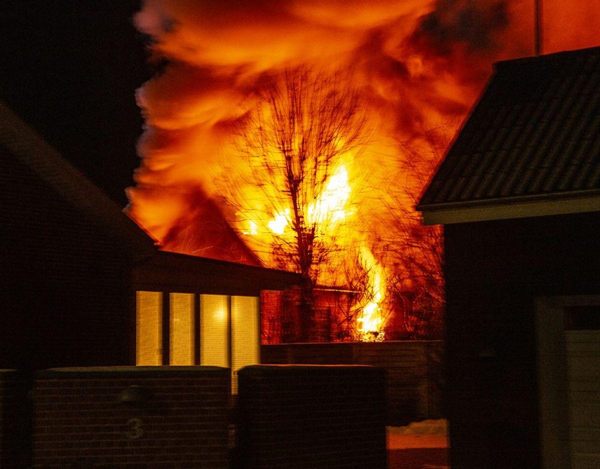 Voldsom brand i parcelhus på J P Jensens Vej i Grindsted. Foto: René Lind Gammelmark