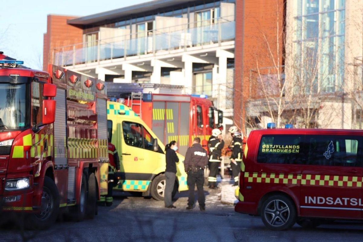En 74-årig mand er død efter en brand på et plejehjem. KLIK FOR FLERE BILLEDER FRA STEDET. Foto: Presse-fotos.dk.
