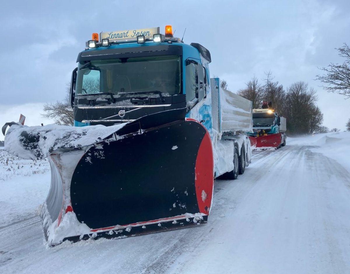 Uheldet betyder, at trafikken står stille i området. Foto: Presse-fotos.dk.