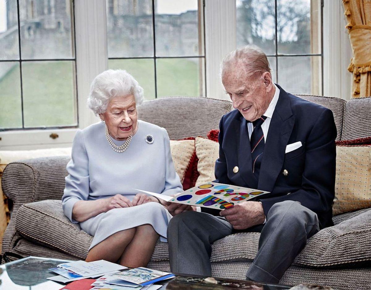 Den lille ny er dronning Elizabeth og prins Philips oldebarn nummer ni. Foto: Scanpix/Chris Jackson/Getty Images Europe/Handout via REUTERS
