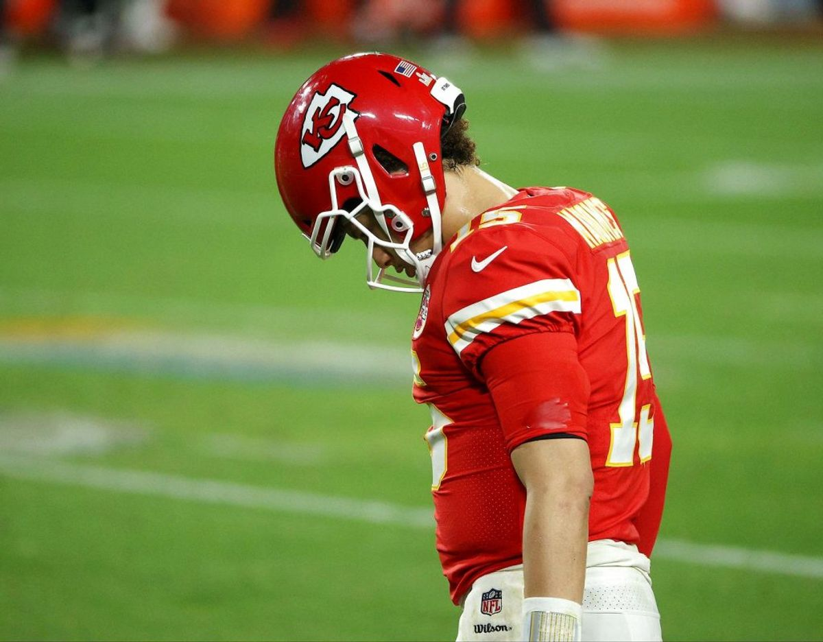 Mens Kansas City Chiefs' quarterback Patrick Maholmes hænger med næbbet i disse dage, sørger amerikanske sportsjournalister i disse dage. (Foto AFP /Scanpix)