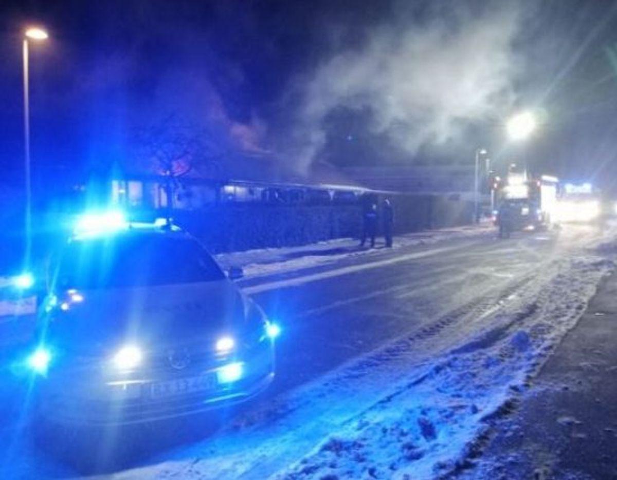 En 84-årig kvinde blev fundet død efter en brand tirsdag. Nu undersøger politiet sammenhængen mellem den og anden. KLIK for flere billeder. Foto: Presse-fotos.dk