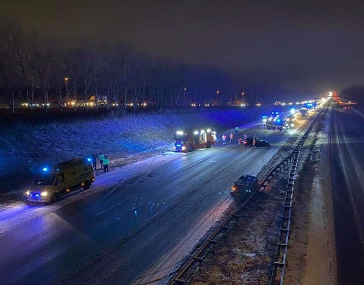 Uheldet er sket på Amagermotorvejen. Foto: Presse-fotos.dk.