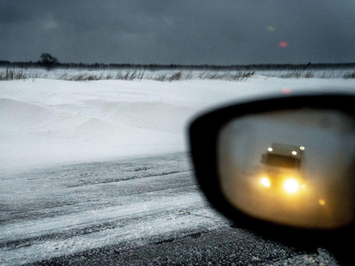 Snedynger og fygning ved Gedser. KLIK for flere billeder fra dagens snevejr. (Foto: Mads Claus Rasmussen/Ritzau Scanpix)