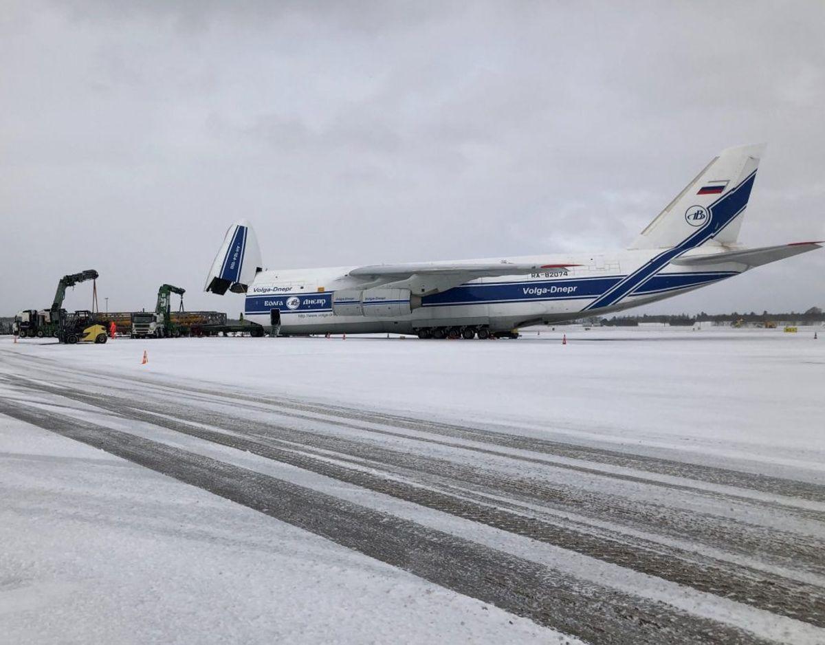 Antonov 124 er verdens største aktive fragtfly. Tirsdag letter det efter planen fra Billund.