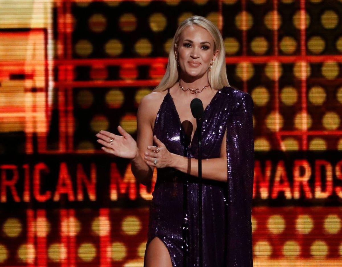 I 2010 var det Carrie Underwood. Klik videre for flere billeder. Foto: Scanpix/REUTERS/Mario Anzuoni