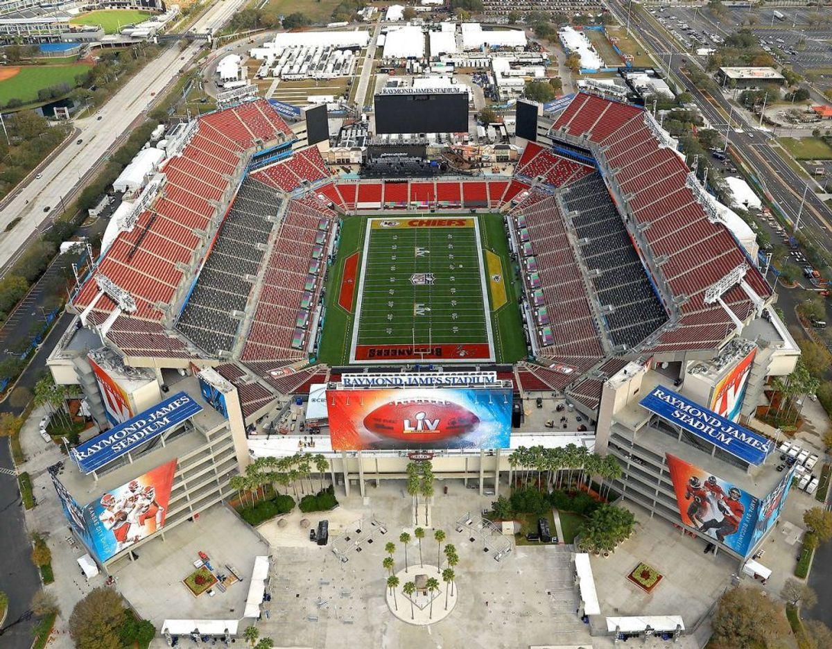 Raymond James Stadium i byen Tampa, Florida, der danner rammerne om årets Super Bowl. Foto: Scanpix/Mike Ehrmann/Getty Images/AFP