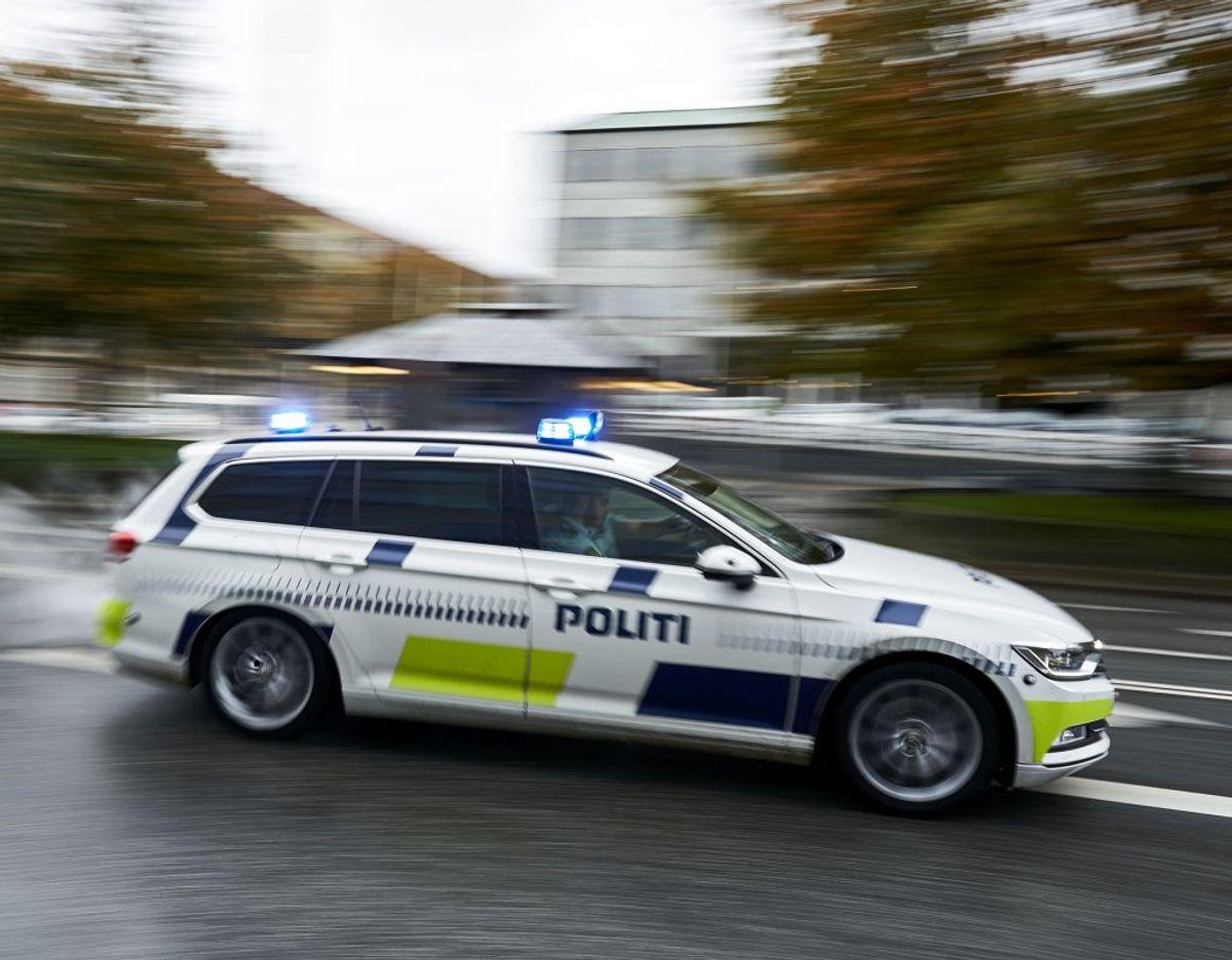 Politiet har spærret vej. Foto: Ritzau Scanpix