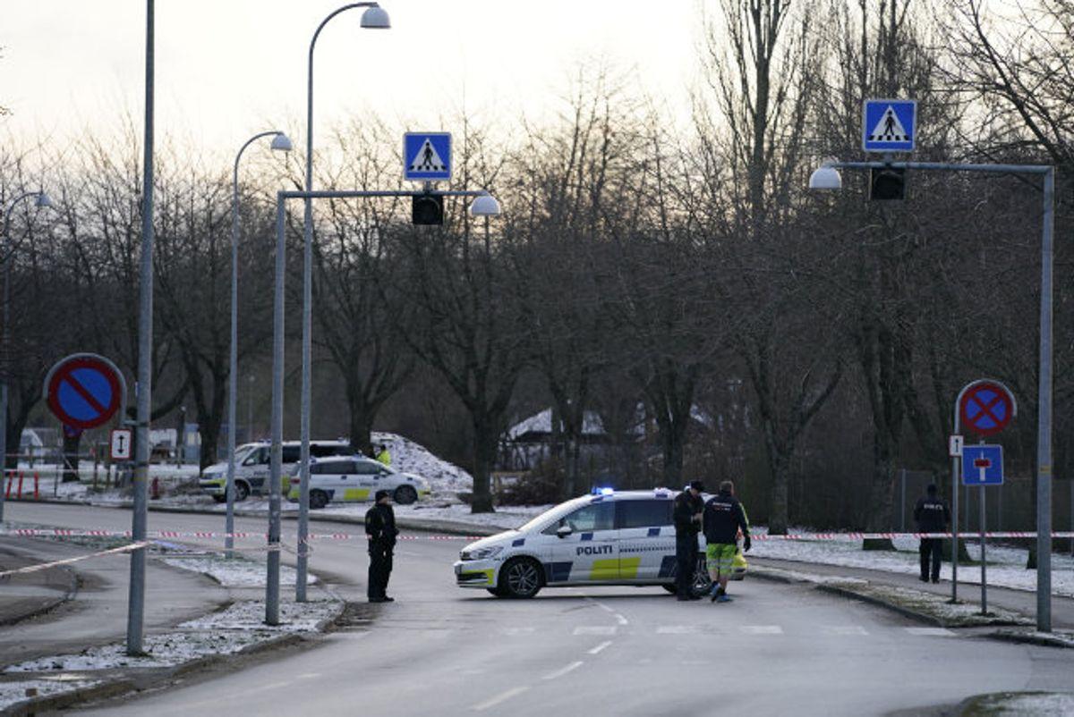 Københavns Vestegns Politi er fredag talstærkt tilstede på grund af et mistænkeligt forhold i området omkring Nykær i Brøndby. Foto: Mads Claus Rasmussen/Scanpix