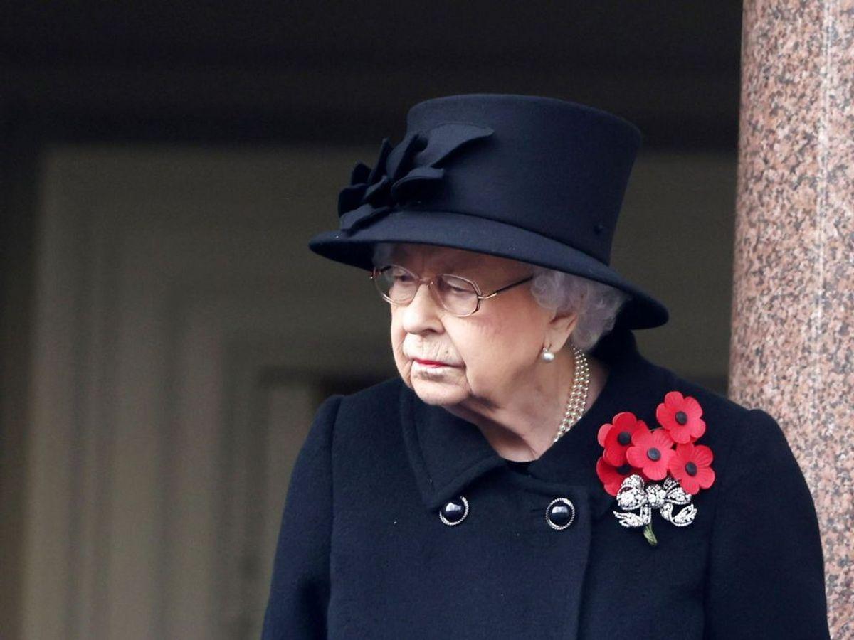 Dronning Elizabeth har mistet endnu en nær kontakt. Foto: Ian Vogler/Pool via REUTERS