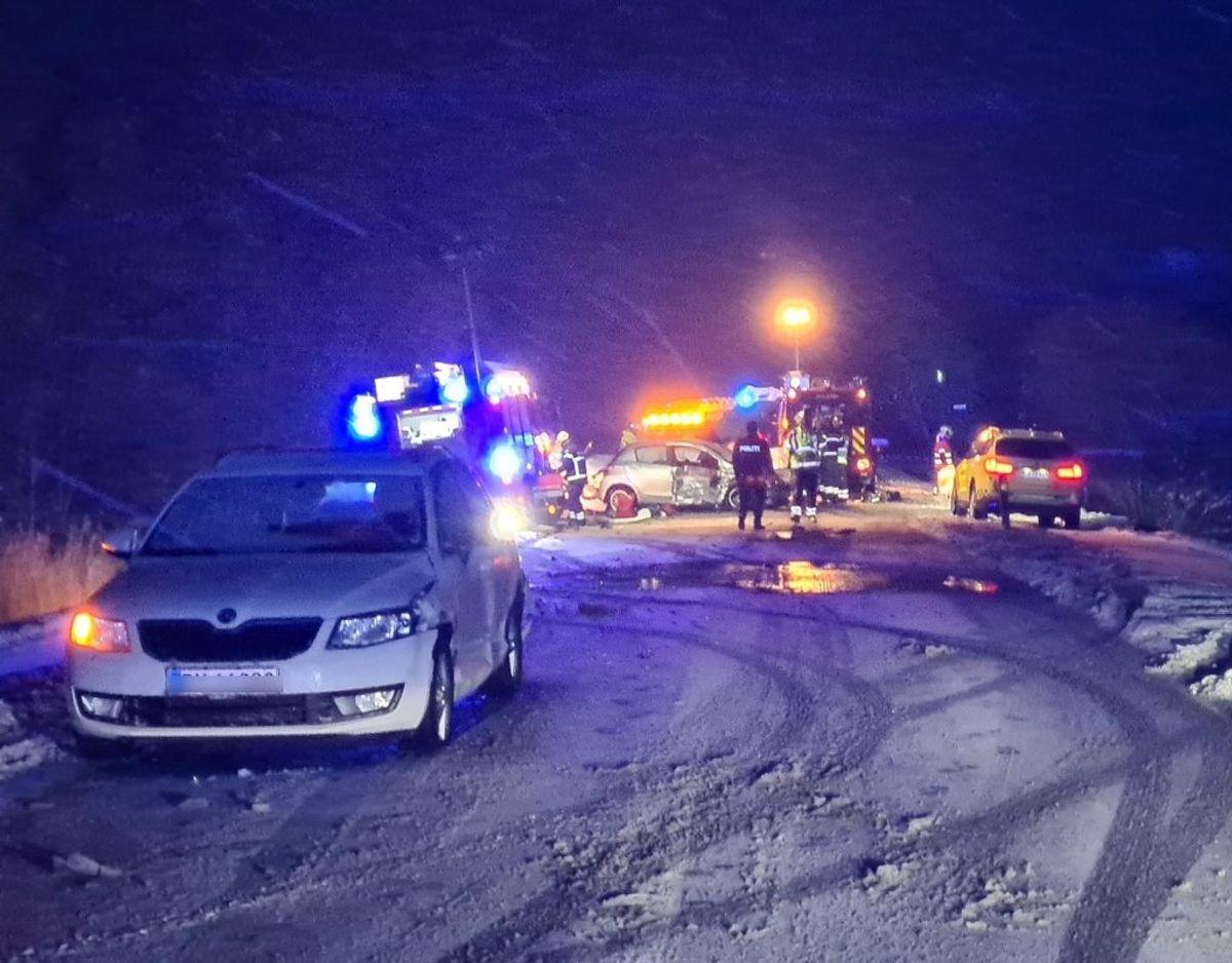 Voldsomt sammenstød på Skamlingsvejen. KLIK OG SE FLERE BILLEDER. Foto: presse-fotos.dk