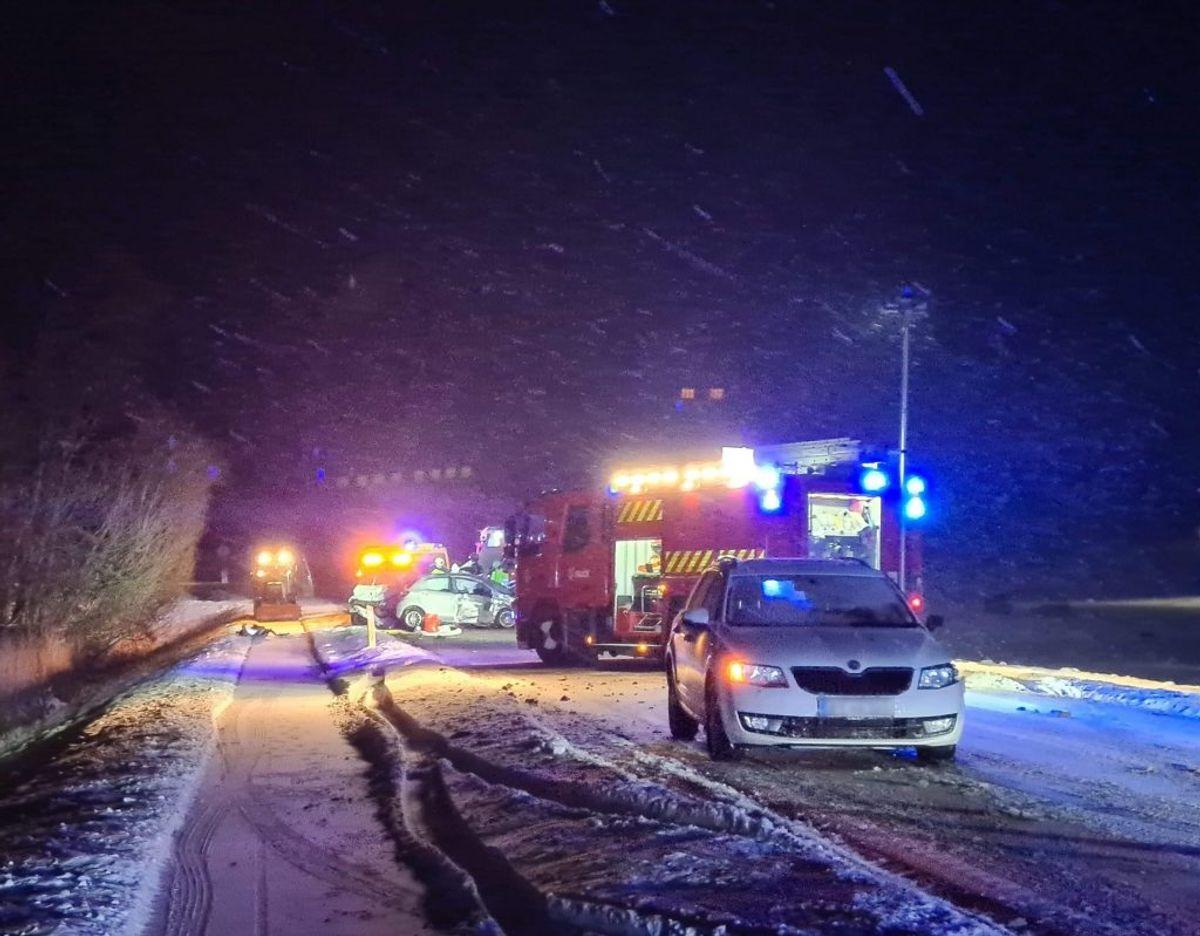 Vej spærret efter trafikuheld. Foto: presse-fotos.dk