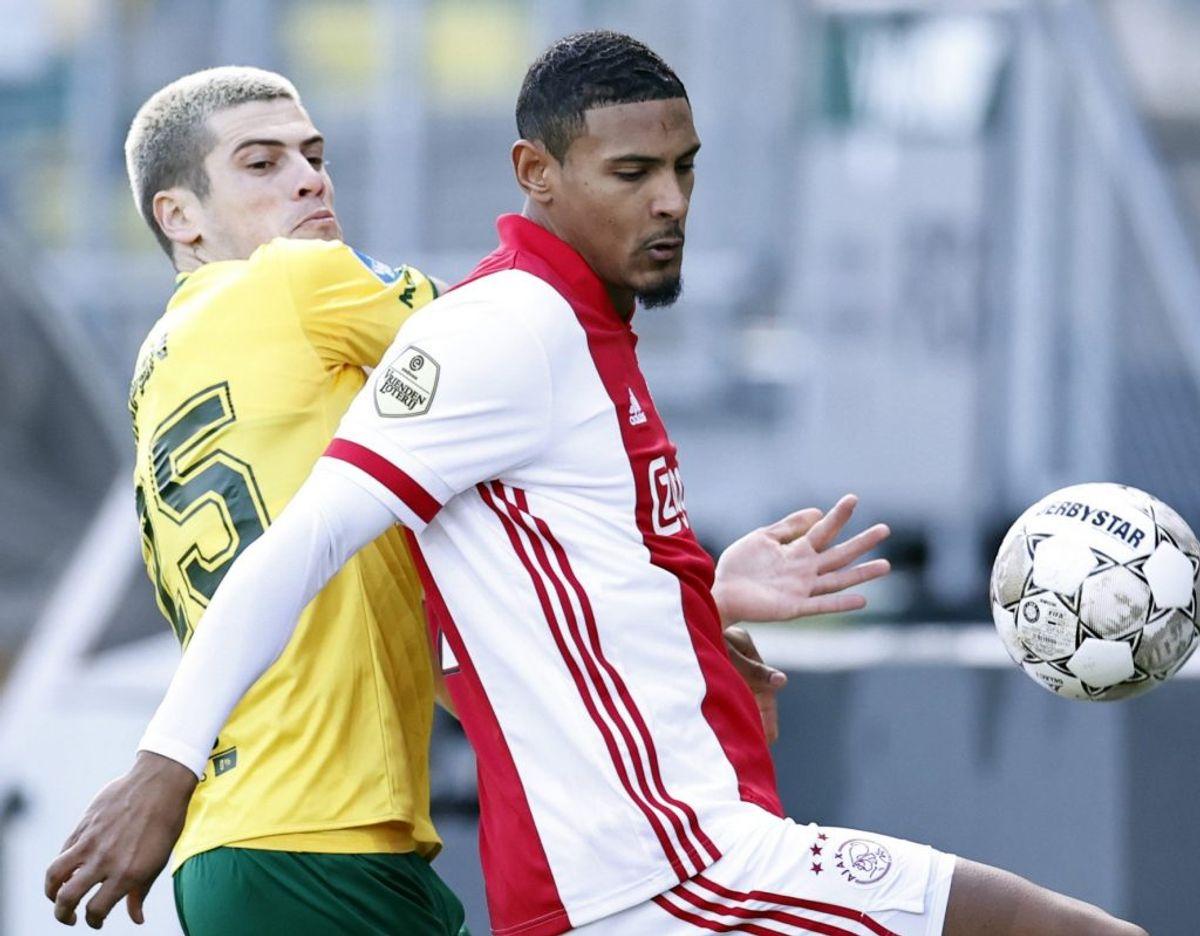 Sebastien Haller (til højre) kom til Ajax fra West Ham i starten af januar. (Arkivfoto) Foto: Maurice Van Steen/AFP