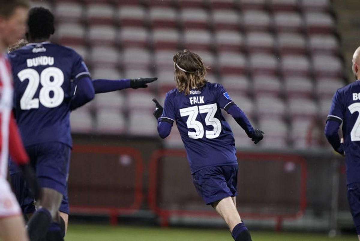 FC København kom tilbage fra 0-2 og vandt kampen ude mod AaB med 3-2. Rasmus Falk scorede det afgørende mål til slut. Foto: Henning Bagger/Scanpix