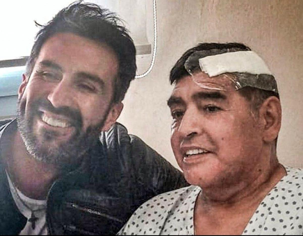 Lægen Leopoldo Luque sammen med Diego Maradona få dage før fodbold ikonet døde. Foto: doctor.luque/instagram