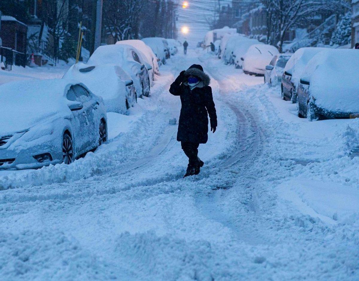 Kraftigt snefald har lammet New York og New Jersey. KLIK FOR FLERE BILLEDER. Foto: Scanpix