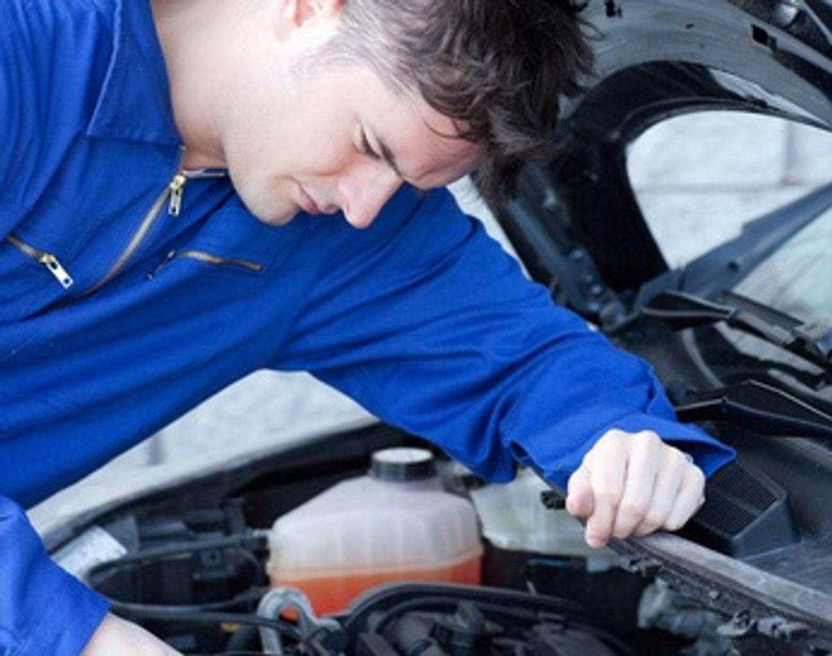 Hvis din bil har et mærke-bestemt system, som der er problemer med, bør du altid tage bilen til en autoriseret mekaniker. Kilde: Reader's Digest. Arkivfoto.