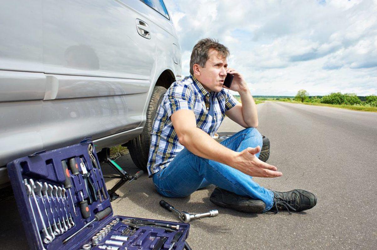 I det hele taget gælder tommelfingerreglen, at jo mindre erfaring med at reparere biler du har, jo mindre skal du selv reparere. Byg din bil-erfaring op trinvist. Kilde: Reader's Digest. Arkivfoto.