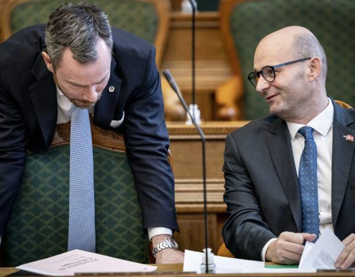 De Konservative og Søren Pape Poulsen (th.) ånder efterhånden for alvor Venstre og Jakob Ellemann-Jensen (tv.) i nakken. (Arkivfoto) Foto: Mads Claus Rasmussen/Scanpix