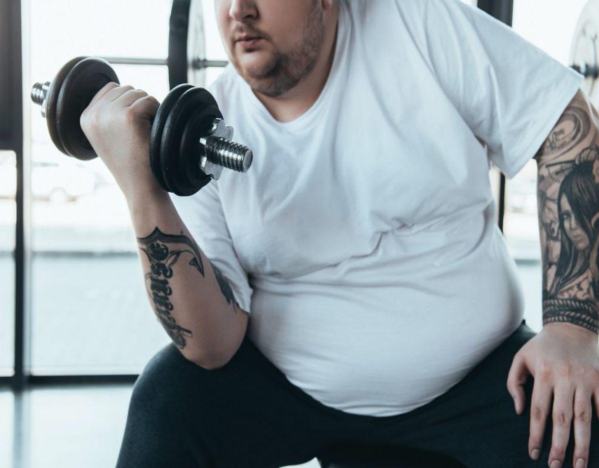 Træning og motion kan efterlade drilske svedpletter, der er svære at få af. KLIK VIDERE OG FÅ DE GODE RÅD TIL AT SLIPPE AF MED PLETTERNE. Foto: Colourbox