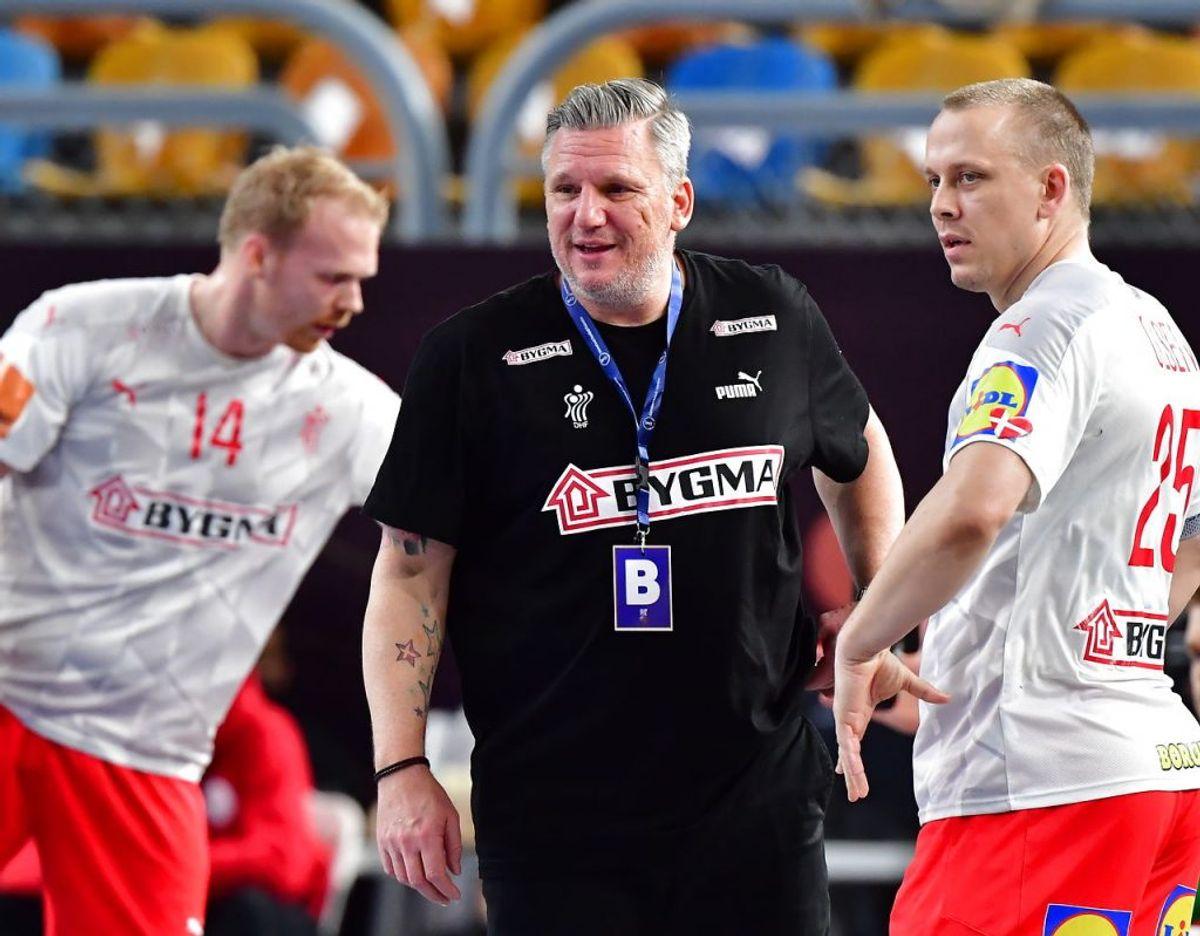 Danmarks landstræner Nikolaj Jacobsen har flest og bedst brikker at rykke rundt på, og derfor er Danmark favoritter, mener eksperterne. Foto: Jonas Ekströmer/TT/Ritzau Scanpix