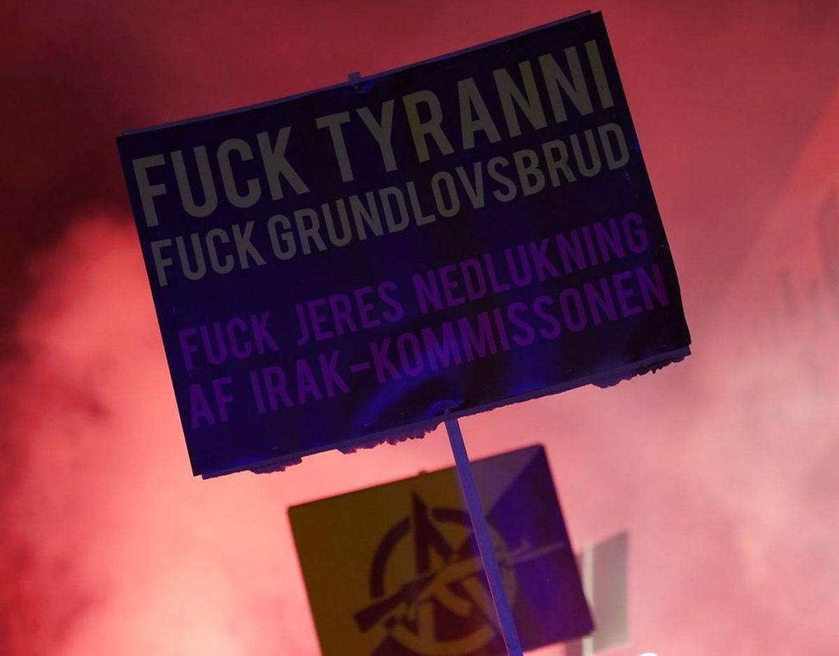 Demonstrationen går for sig lørdag aften. Foto: Scanpix.