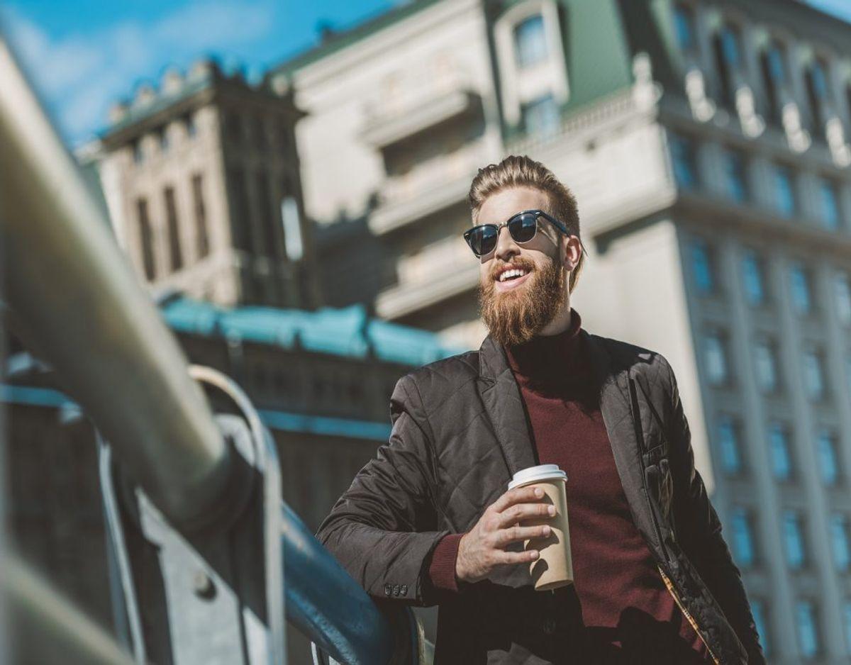 Lad være med at køb en masse smart kaffe på farten. Lav i stedet en termokop hjemmefra. Foto: Colourbox