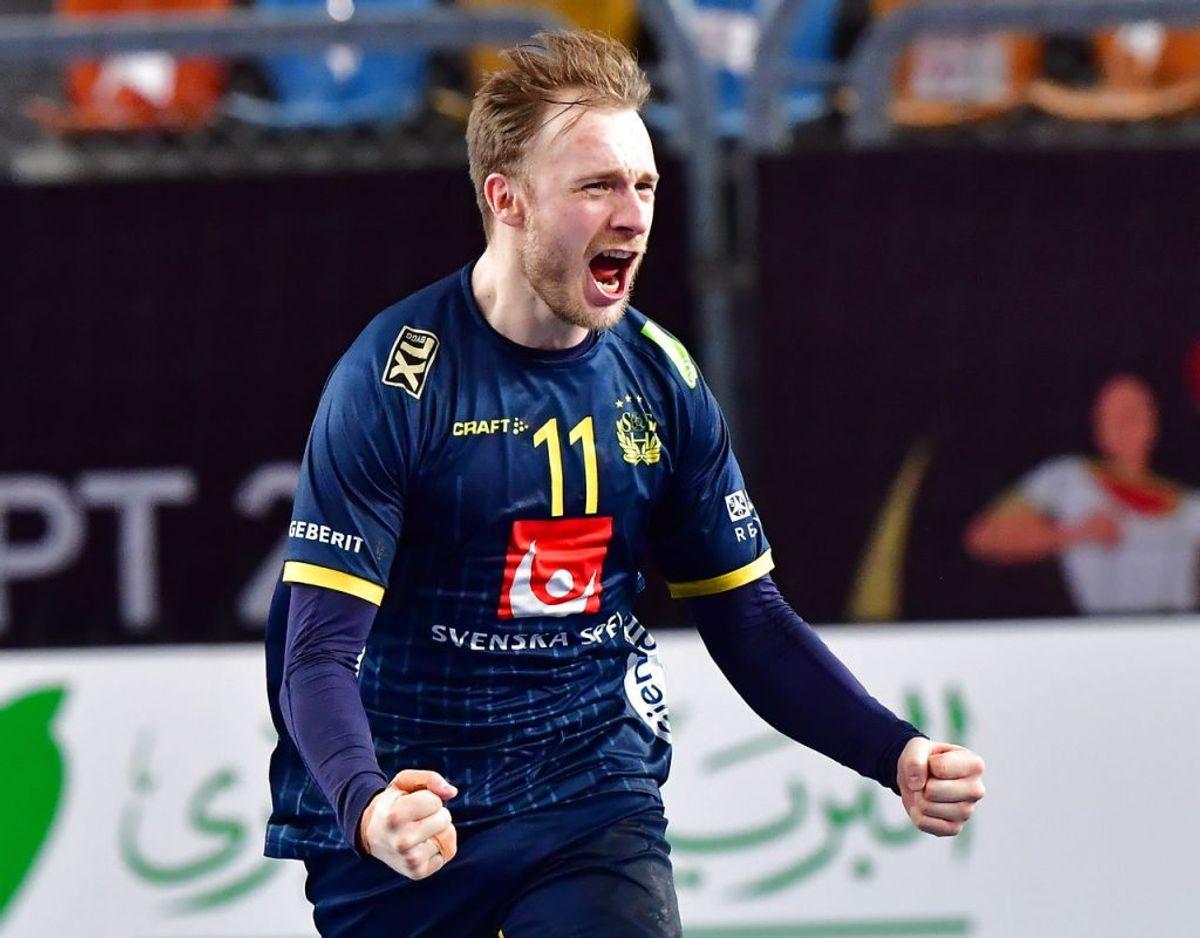 Sveriges Daniel Pettersson jubler efter mål under semifinalen mellem Frankrig og Sverige. Foto: Jonas Ekströmer/TT kod: 10030.