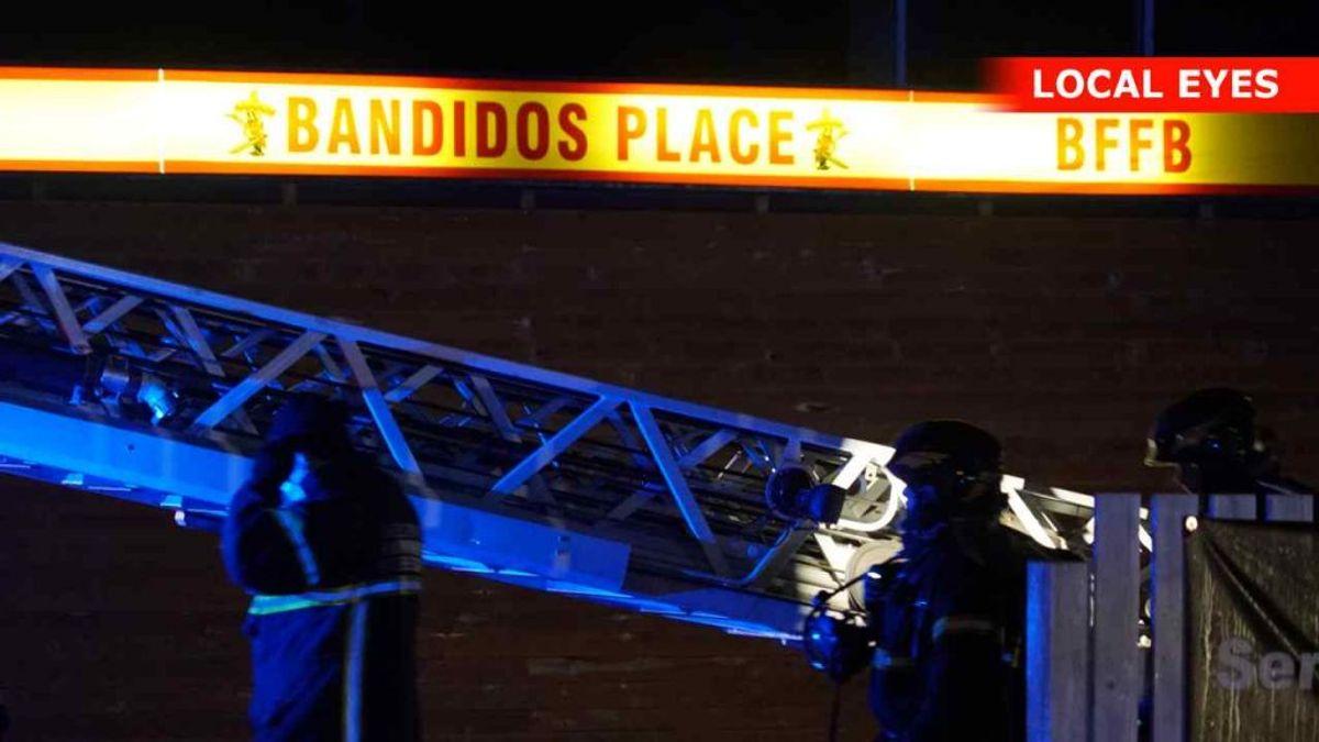 Natten til tirsdag udbrød der brand i en Bandidos-rockerborg i Helsingør. KLIK FOR FLERE BILLEDER FRA STEDET. Foto: Local Eyes.