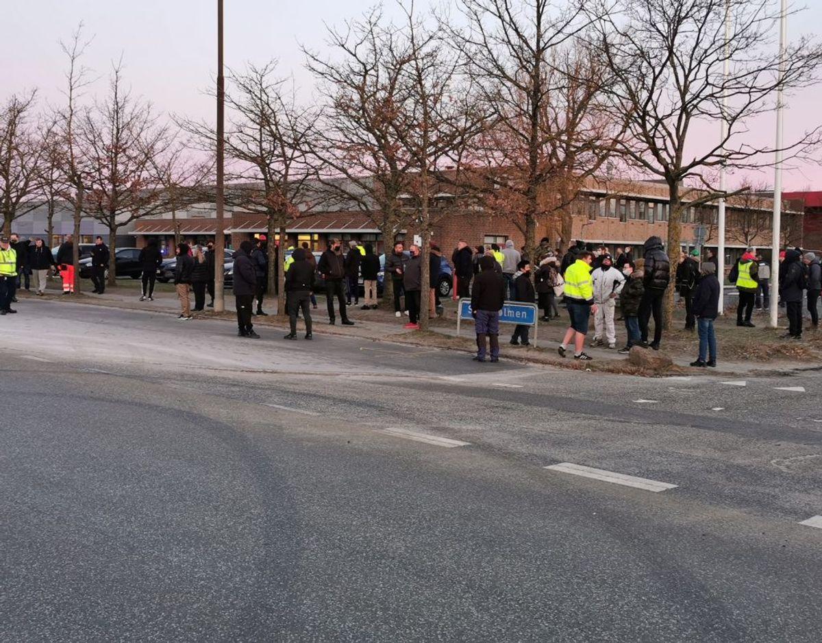TEC-elever har været evakueret, men de er nu blevet lukket ind igen Foto: Mathias Øgendal/presse-fotos.dk