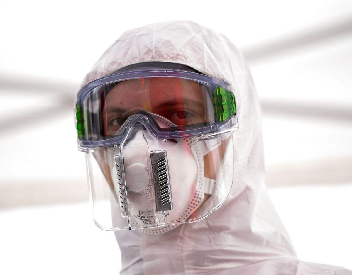 En FFP3-maske ser således ud. Foto: REUTERS/Matthias Rietschel/Scanpix