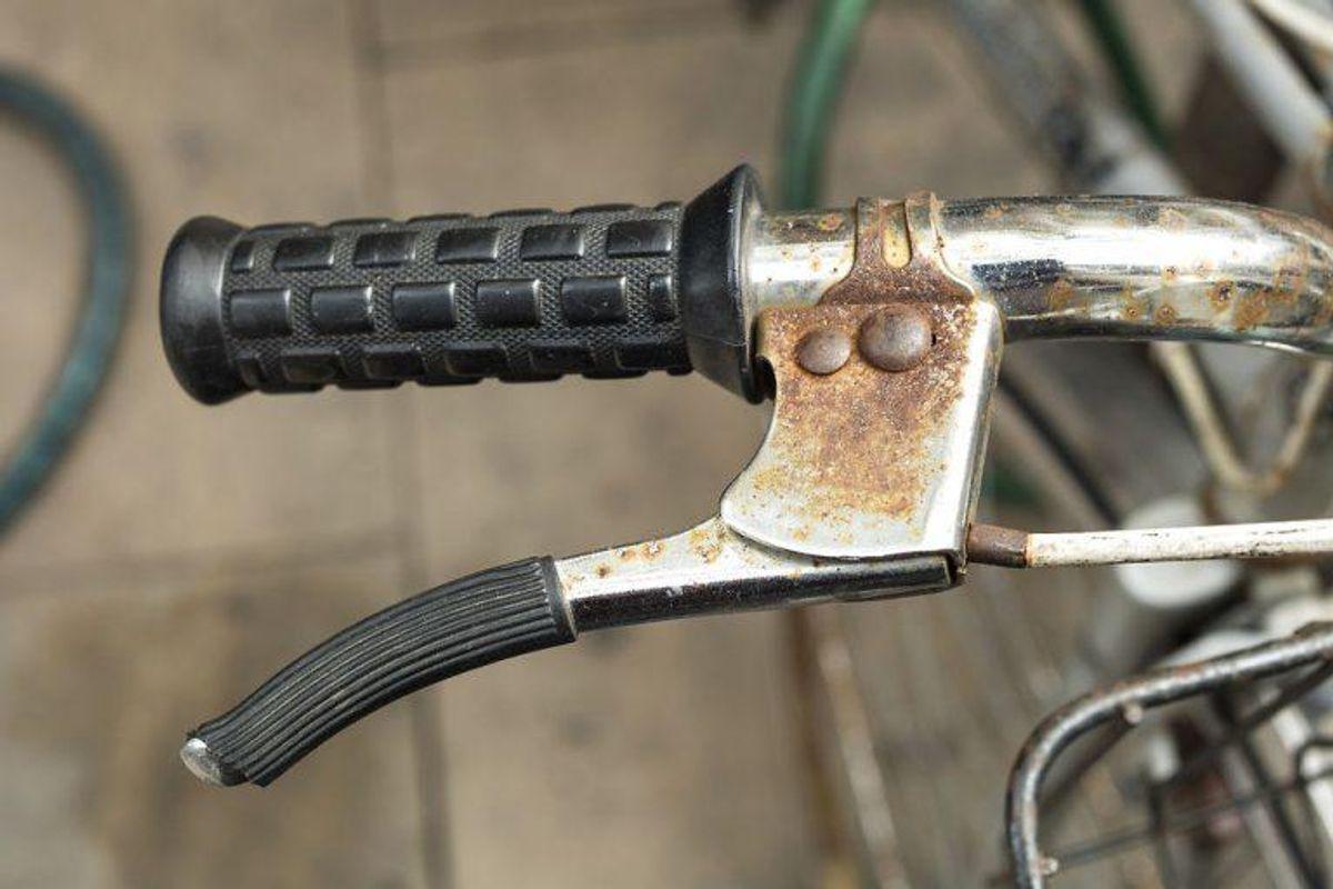 3: Hvis din cykel ikke lever op til lovkravene i forhold til bremser og reflekser, kan du få en bøde på 700 kroner. Hvis du ikke har en ringeklokke, slipper du med en advarsel. Foto: Scanpix