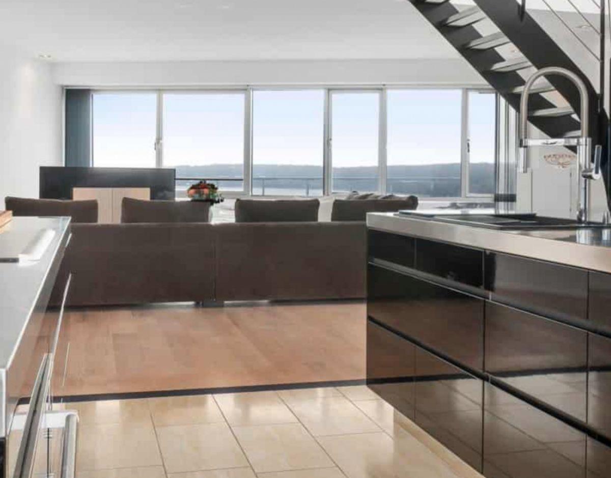 Udsigten er imponerende fra 17. etage. Foto: Nybolig
