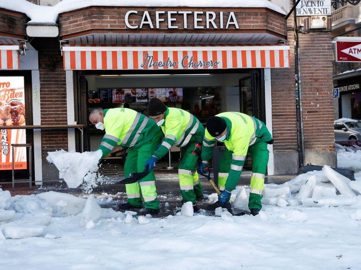 Byens kommunalarbejdere på arbejde. Foto: Susana Vera/Scanpix.