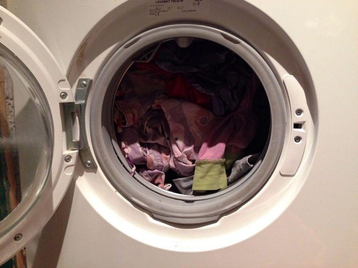 Vask altid karklude, viskestykker og håndklæder på minimum 60 grader for at dræbe bakterier. Kilde: Ritzau. Arkivfoto.