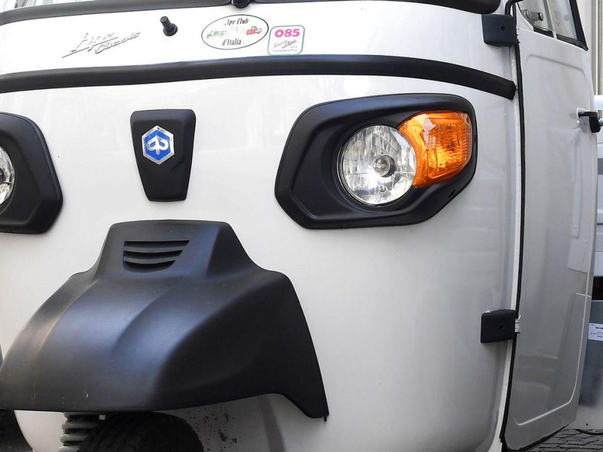 I forbindelse med vanvidskørslen efterlyses føreren af en tuk tuk. KLIK for billeder af bilen, der skabte ravagen. Foto: Jennifer Lorenzini/Scanpix.