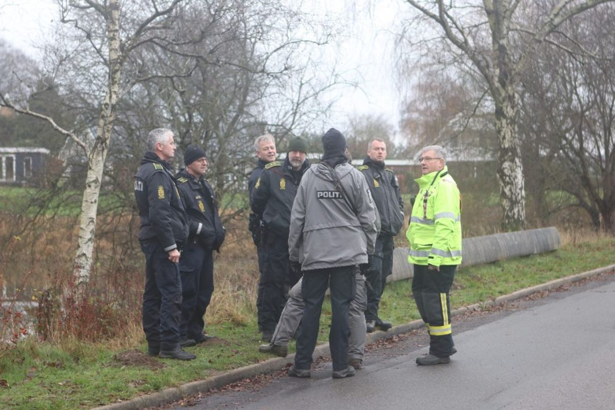 En efterlyst kvinde er fundet død i et vådområde. KLIK for flere billeder. Foto: Presse-fotos.dk.