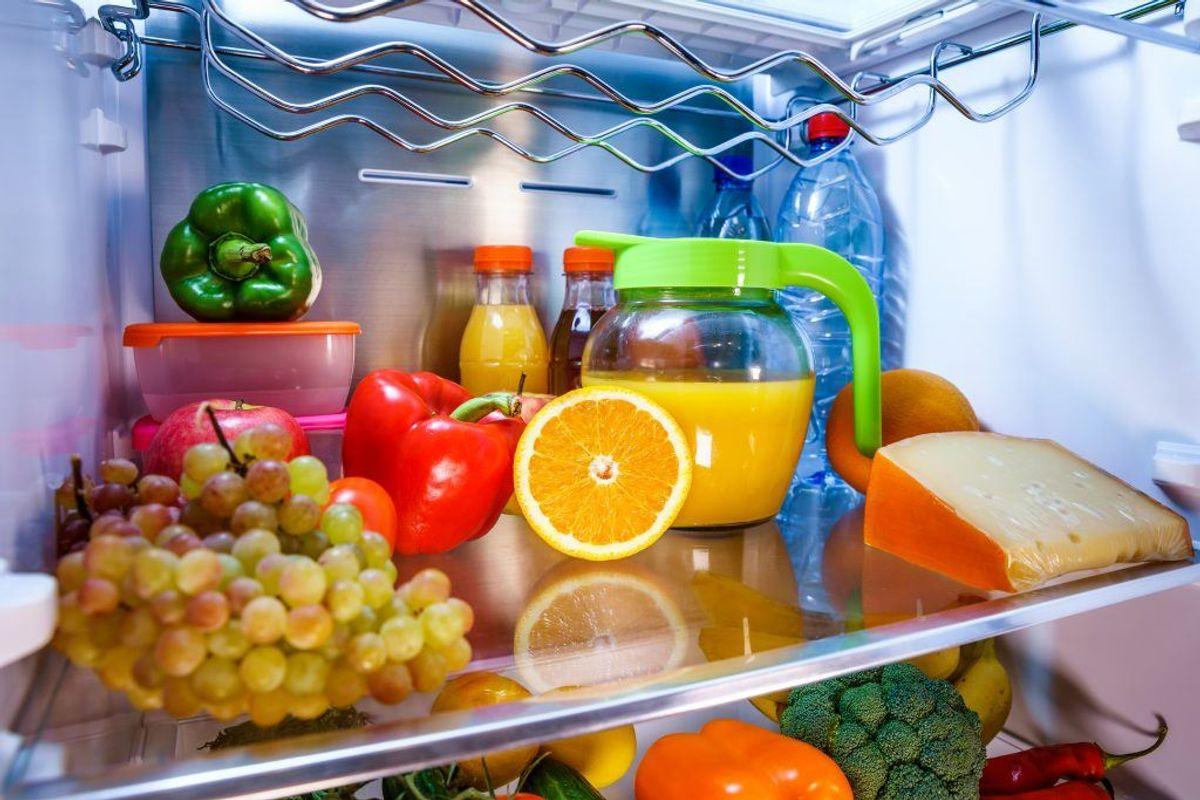 Sæt varm mad, der skal nedkøles, hurtigt i køleskab eller fryser: Maden skal blive kold i løbet af højst 3 timer. Dette er normalt kun et problem, hvis man laver store portioner mad.  Kilde: Statens Serum Institut. Arkivfoto.