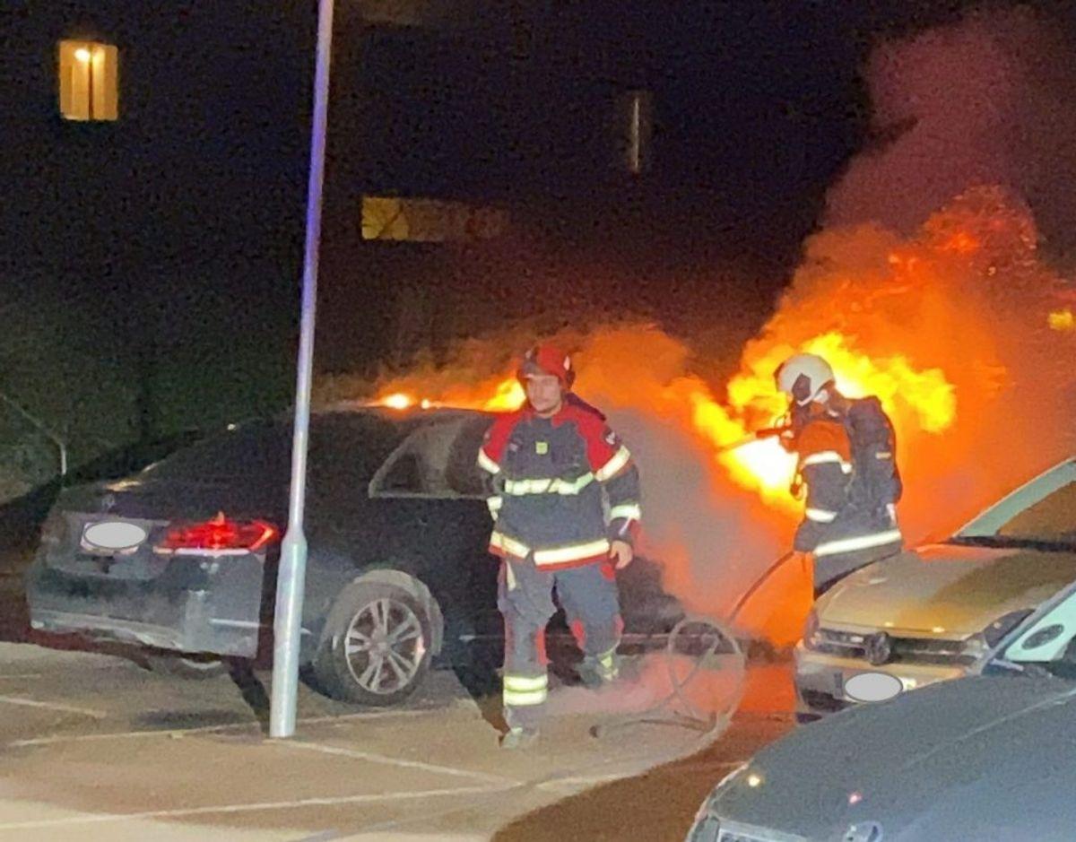 Politiet mener branden er påsat. Foto: Presse-fotos.dk.
