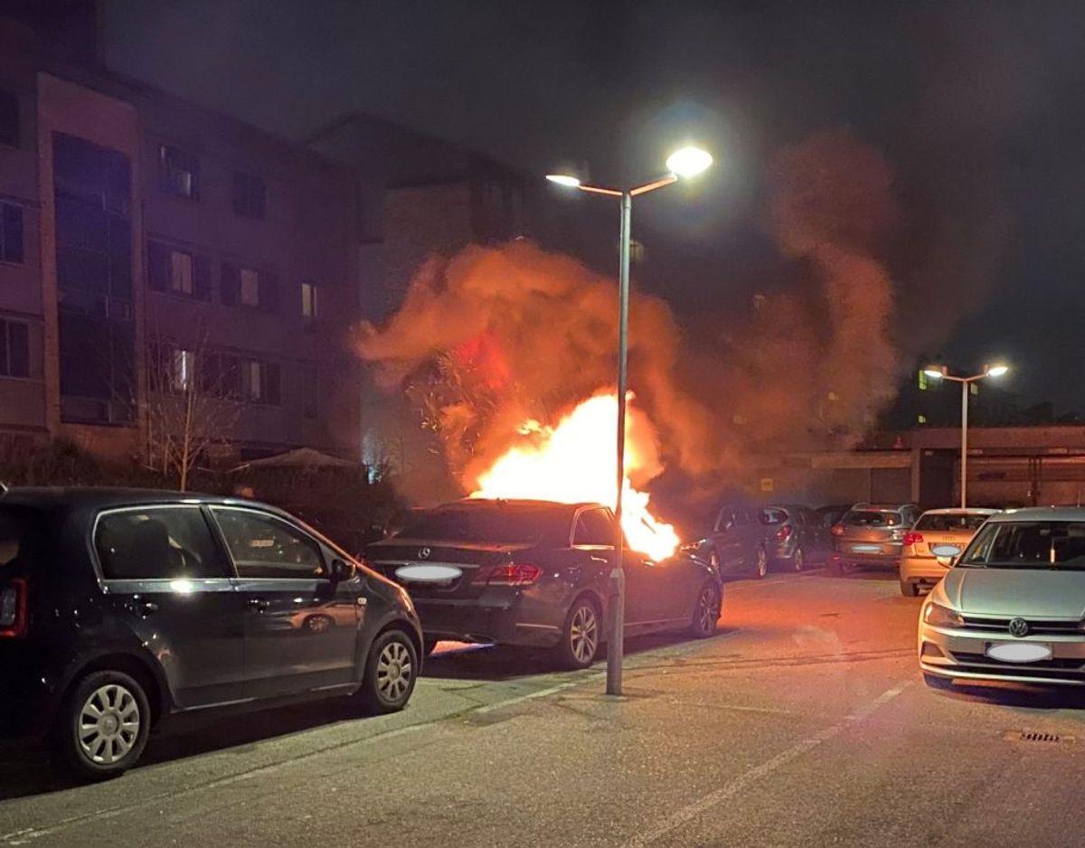 En tekniker skal en af de nærmeste dage finde ud af hvor og hvordan branden er påsat. Foto: Presse-fotos.dk.