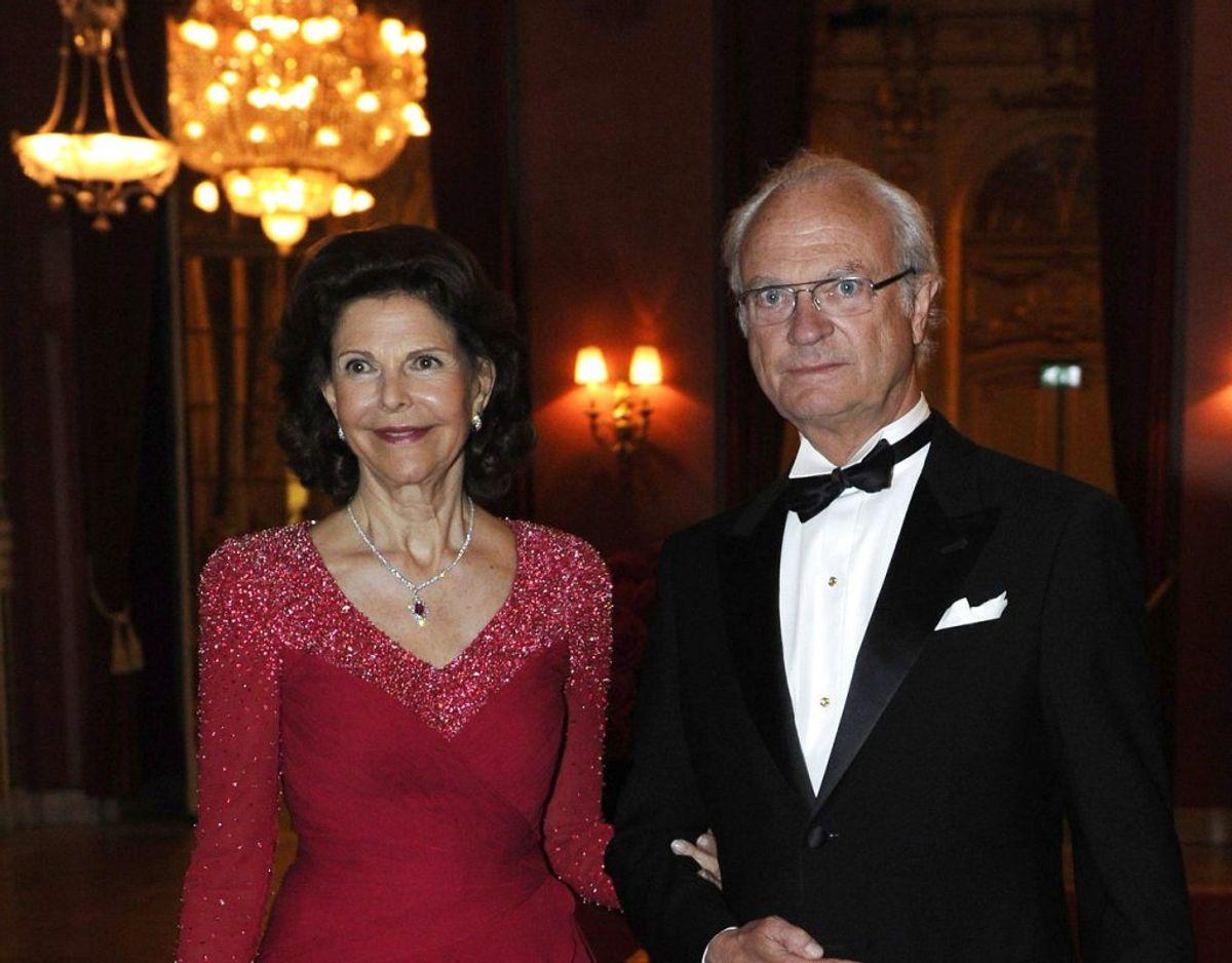 Det svenske kongepar har under langt det meste af pandemien opholdt sig i selvisolation på Stenhammer Slot cirke 120 kilometer sydvest for Stokholm. Foto: Scanpix/REUTERS/Erik Martensson/Scanpix Sweden