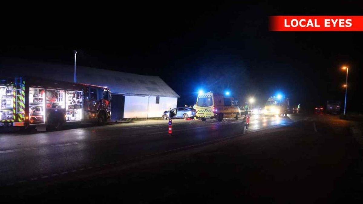 Fire kom på hospitalet – de tre teenagere. KLIK FOR FLERE BILLEDER. Foto: Localeyes.dk