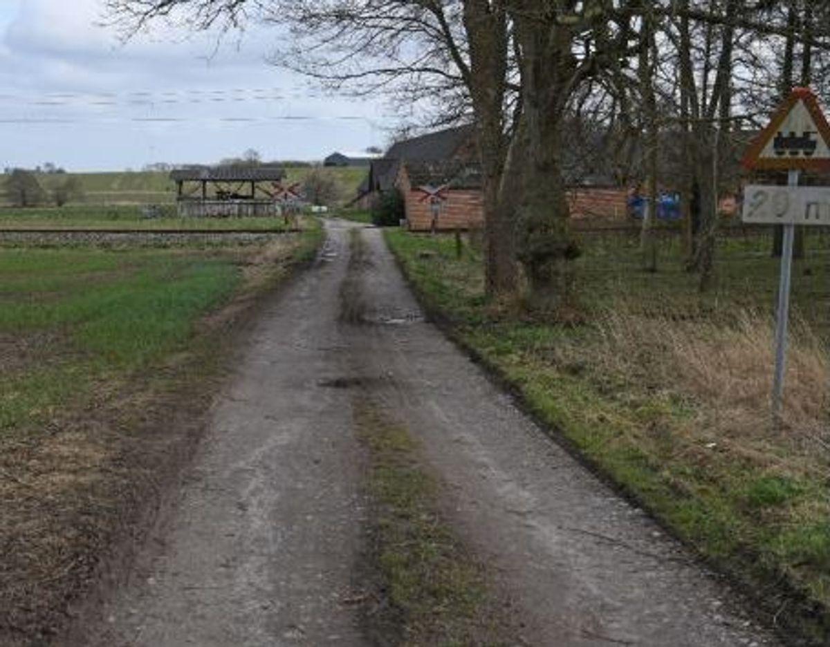 Ulykken skete ved overkørsel 63 på en grusvej mod Aarhusvej 138. Foto: Havarikommisionen