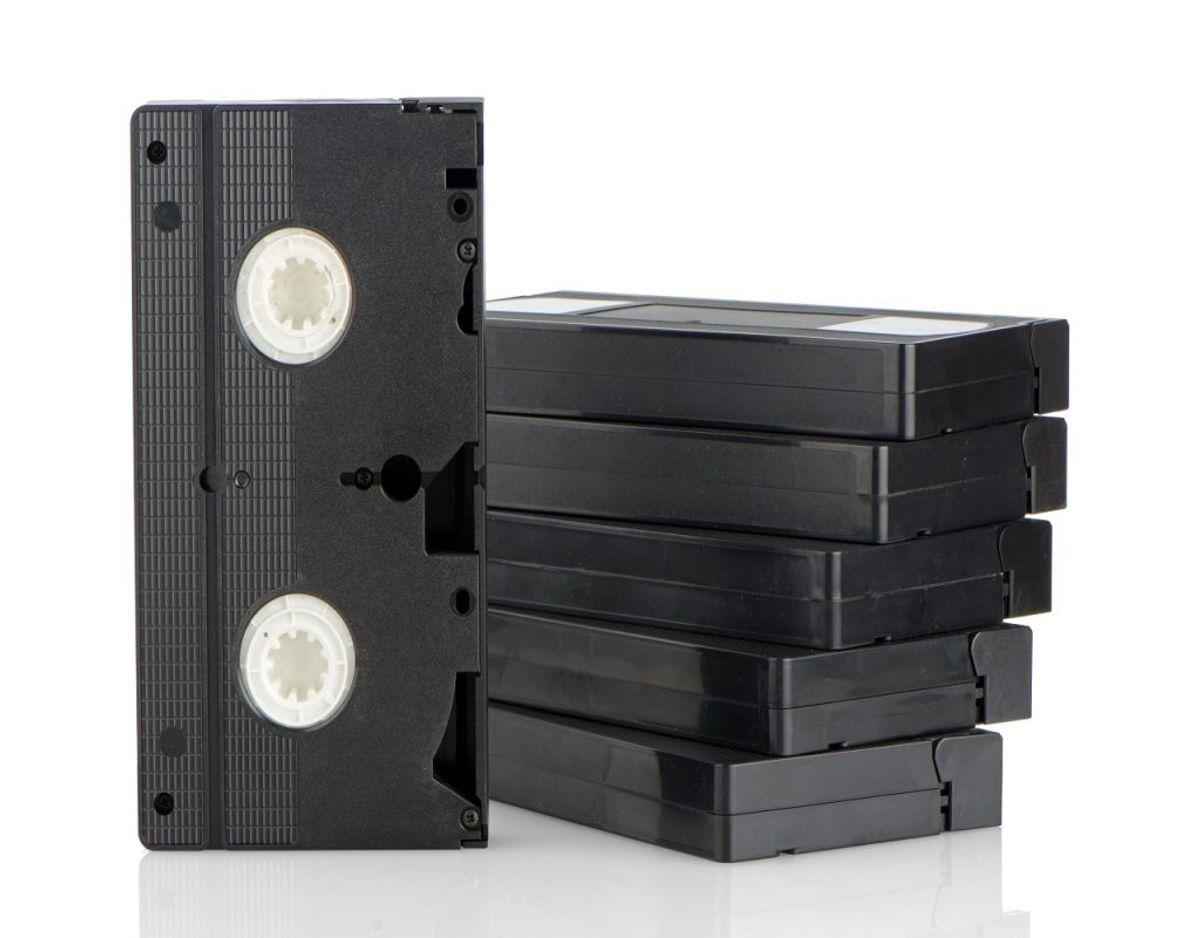 VHS-bånd er fra tiden før DVD'ens indtog, men mange har beholdt de gamle bånd. Foto: Colourbox