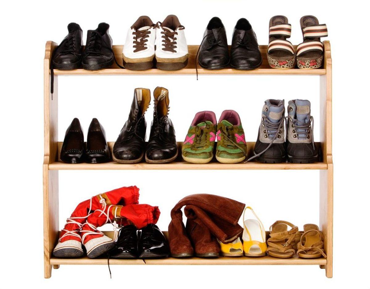 Hvor mange par sko bør man egentlig have? Og er der nogle, der er slidt i bund? Foto: Colourbox