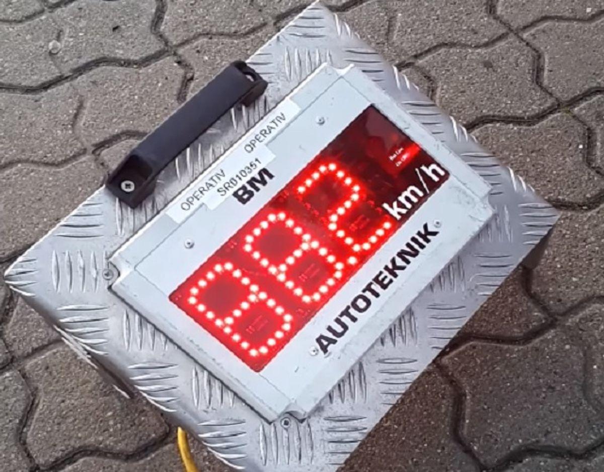 88,2 kilometer i timen. Men knallertens fart steg og steg … Foto: Nordjyllands Politi.