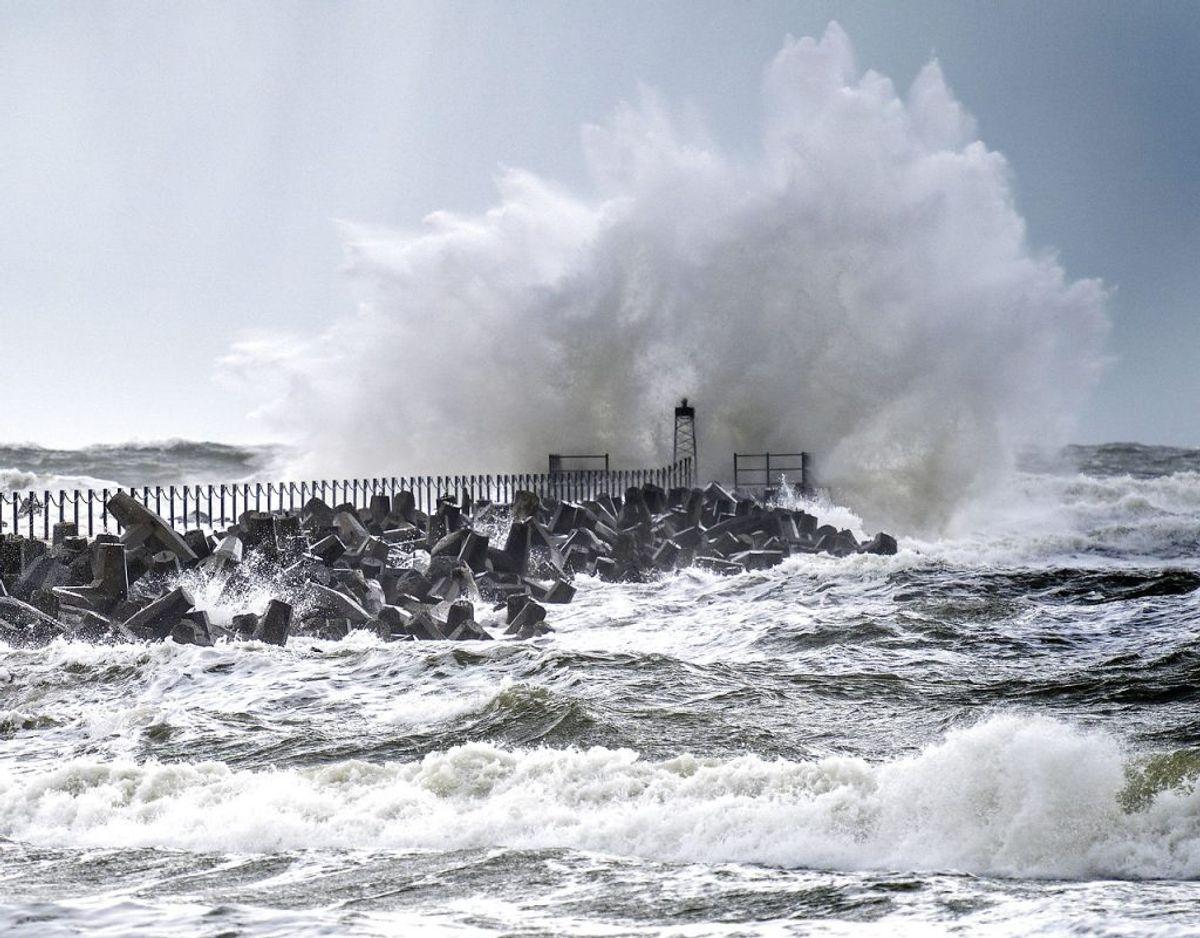 Vejret søndag viser sig fra sin barske side – især i det nordvestlige Jylland, hvor der kommer vindstød af stormstyrke. Arkivfoto: Henning Bagger/Ritzau Scanpix.