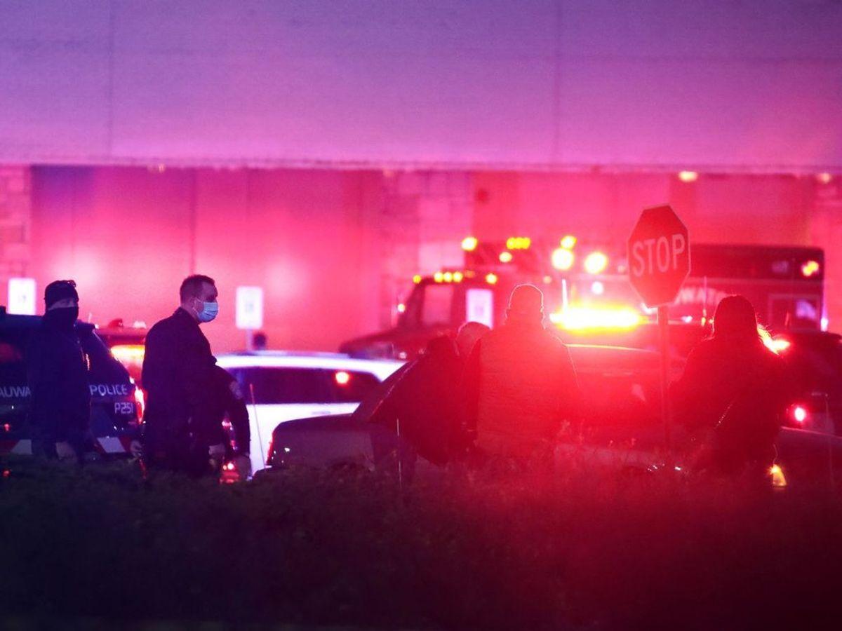 Otte personer er såret i et masseskyderi i et indkøbscenter. Foto: Scott Olson/Scanpix.
