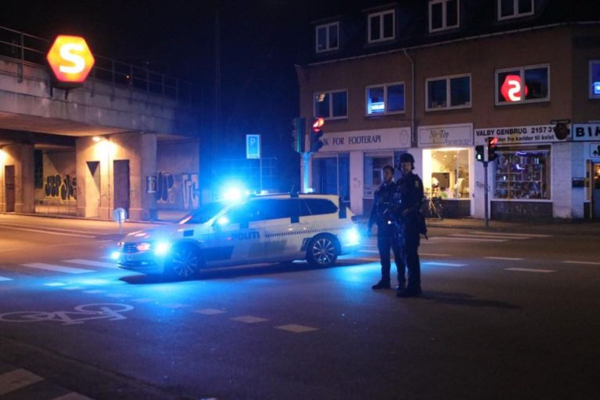 Politiet gennemførte massive undersøgelser på gerningsstedet. KLIK FOR FLERE BILLEDER AF ARBEJDET. Foto: Presse-fotos.dk