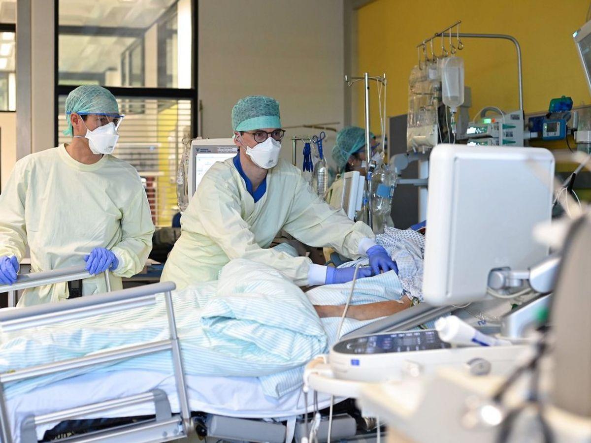 Der er registreret 1257 nye smittetilfælde af corona det sidste døgn. Foto: Ina FASSBENDER/Scanpix.